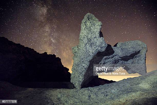 milky way over the great masturbator (saldavor dalí), catalonia - cadaques stock pictures, royalty-free photos & images