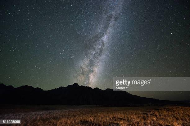 milky way - alpes do sul da nova zelândia - fotografias e filmes do acervo