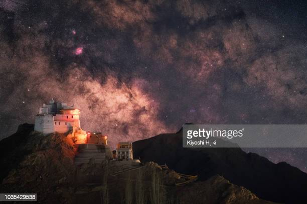 milky way rise over namgyal tsemo monastery in leh city,ladakh region, india. - kashmir stock photos and pictures