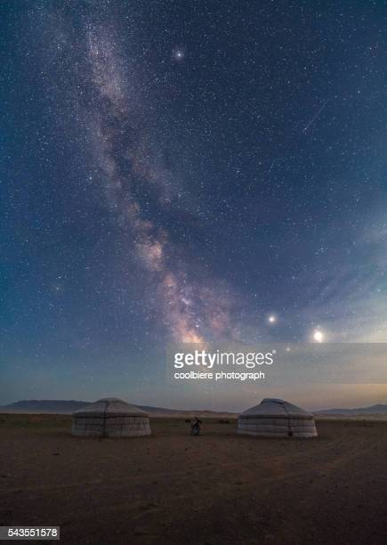 milkyway at gobi desert - independent mongolia stock pictures, royalty-free photos & images