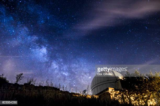 milkyway at night in the forest astrophotography - observatory stock pictures, royalty-free photos & images