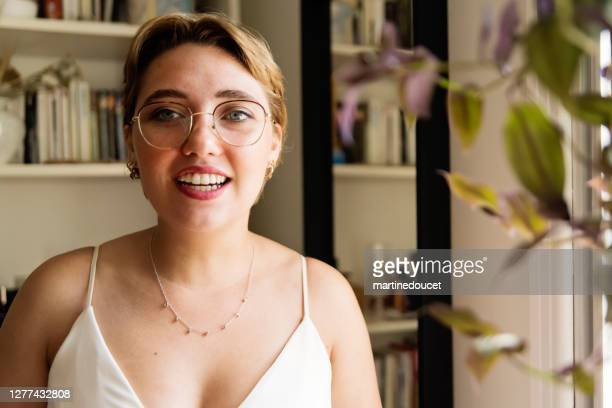 "millennial future bride getting ready for wedding. - ""martine doucet"" or martinedoucet stock pictures, royalty-free photos & images"