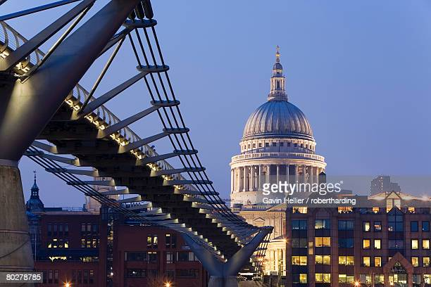 millennium bridge and st. pauls cathedral, illuminated at dusk, london, england, united kingdom, europe - gavin hellier stock pictures, royalty-free photos & images