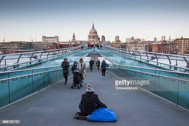 millennium bridge and st paul's catherdral, london - homelessness stock pictures, royalty-free photos & images