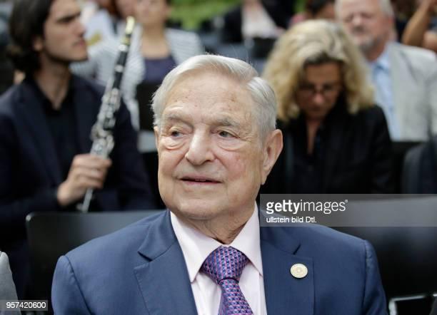 Milliardär George Soros Deutschland Berlin Eröffnung des Europäischen Roma Instituts für Kunst und Kultur durch StM/AA Roth