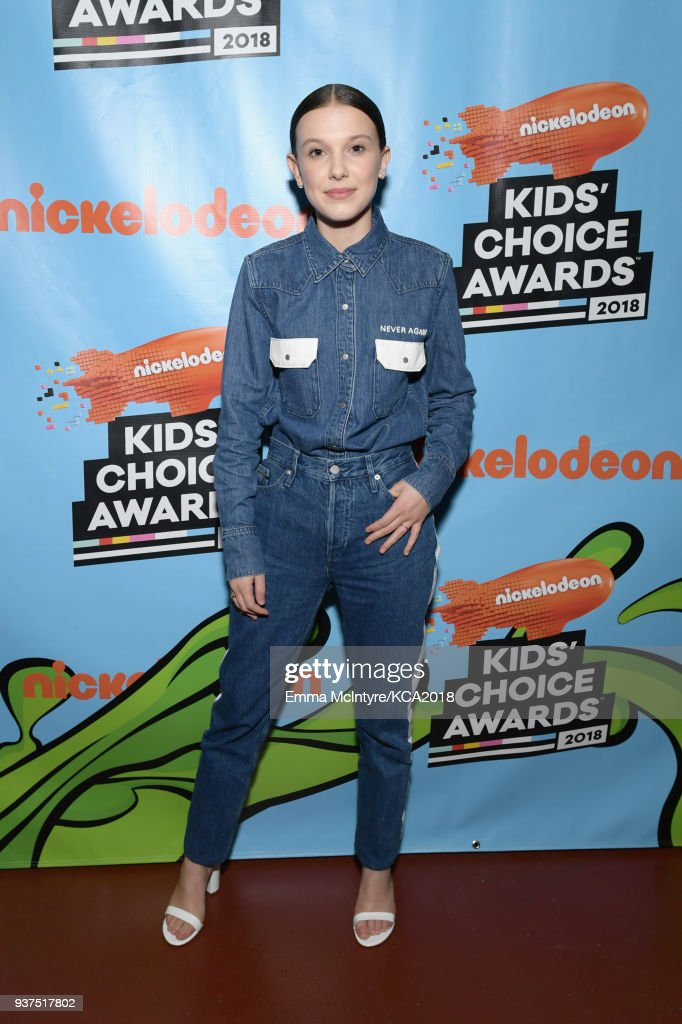 millie-bobby-brown-backstage-at-nickelodeons-2018-kids-choice-awards-picture-id937517802