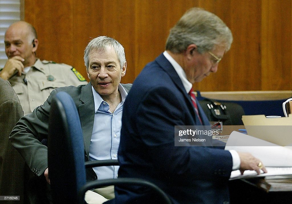 Millionaire murder defendant Robert Durst (C) sits in State District Judge Susan Criss court with his attorney Dick DeGuerin (R) November 10, 2003 at the Galveston County Courthouse in Galveston, Texas. Durst is being charged for the murder and mutilation of his neighbor Morris Black.