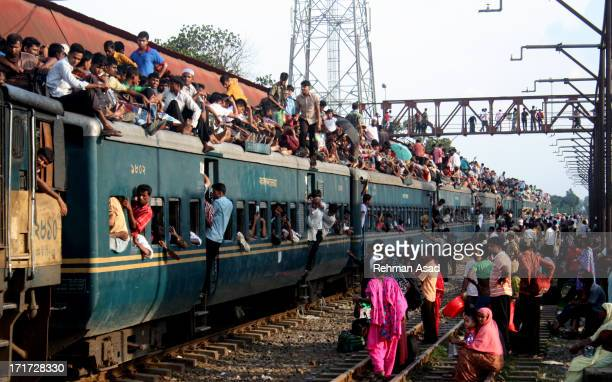 Millions of Dhaka residents are traveling risky by train from the Bangladesh capital to celebrate Eid-al-Fitr.