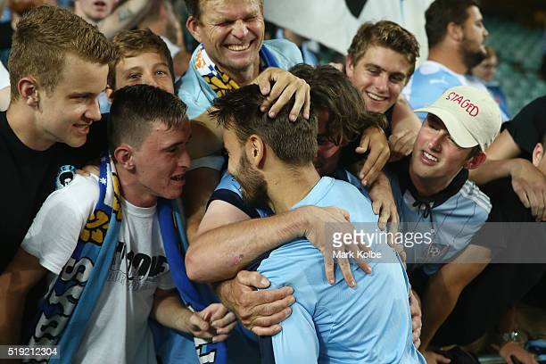 Milos Ninkovic of Sydney FC celebrates with the crowd after victory during the AFC Champions League match between Sydney FC and Pohang Steelers at...