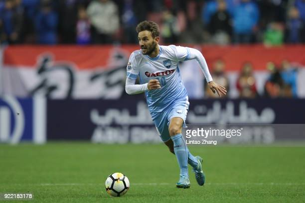 Milos Ninkovic of Sydney FC in action during the AFC Champions League Group H match between Shanghai Shenhua FC and Sydney FC at Hongkou Stadium on...