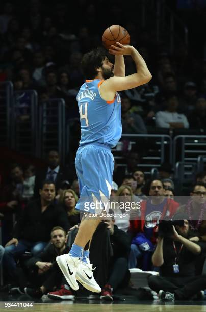 Milos Teodosic of the Los Angeles Clippers shoots a jump shot during the NBA game between the Orlando Magic and the Los Angeles Clippers at Staples...