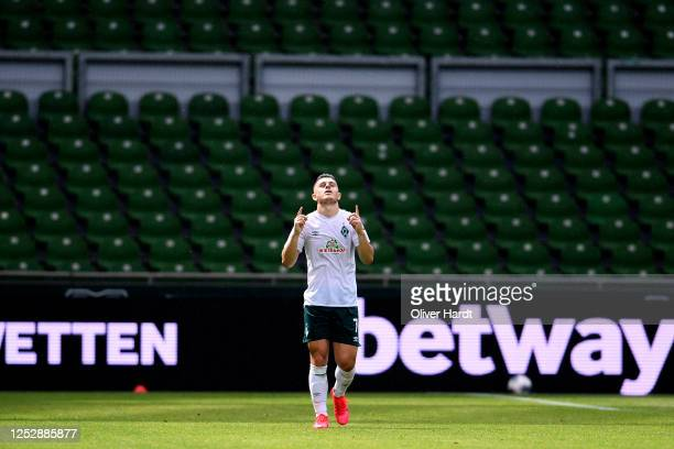 Milot Rashica of Werder Bremen celebrates scoring his teams second goal of the game during the Bundesliga match between SV Werder Bremen and 1 FC...