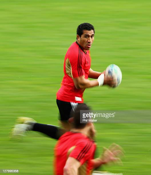 Mils Muliaina of the All Blacks runs the ball during a New Zealand IRB Rugby World Cup 2011 training session at North Harbour Stadium on October 5...