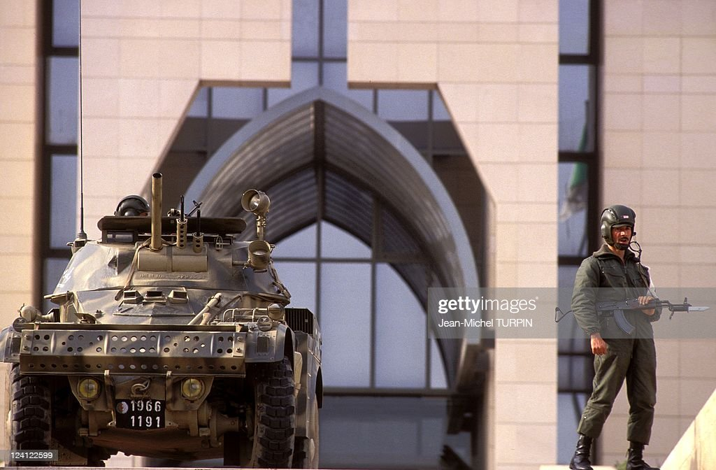 Miltary Security In Algiers, Algeria On January 16, 1992. : News Photo