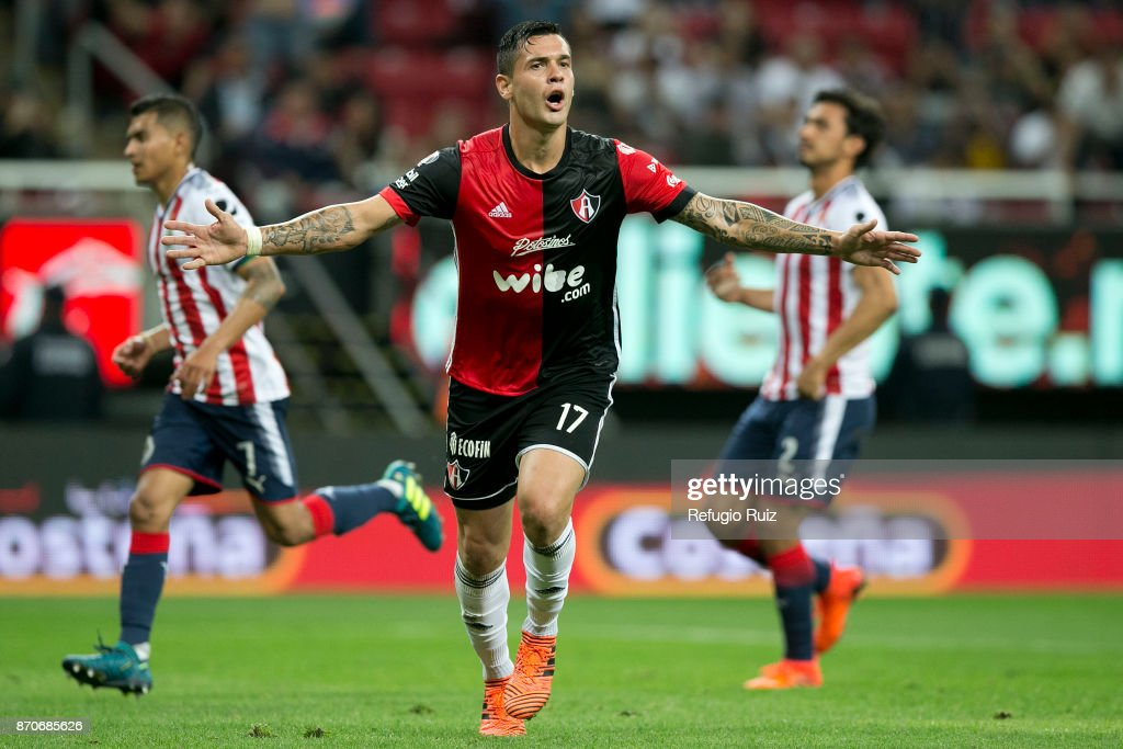 Milton Caraglio of Atlas celebrates after scoring the second goal of his team during the 16th round match between Chivas and Atlas as part of the Torneo Apertura 2017 Liga MX at Chivas Stadium on November 4, 2017 in Zapopan, Mexico.