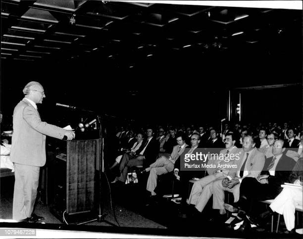 Milton Friedman from the USA addressing a Seminar.Mr. Milton Friedman addressing the large crowd at the Hilton Hotel today. .