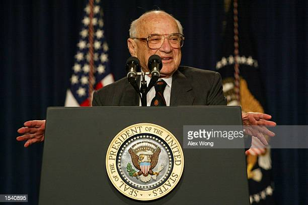 Milton Friedman, recipient of the 1976 Nobel Prize for economic science, speaks May 9, 2002 during a White House event in Washington, DC. U.S....