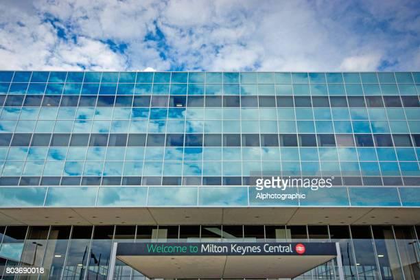 milton keynes office buildings - milton keynes stock pictures, royalty-free photos & images