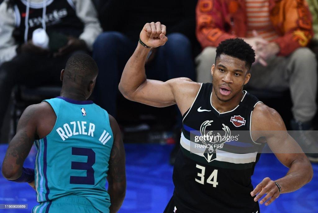 BASKET-NBA-MILWAUKEE-CHARLOTTE : News Photo