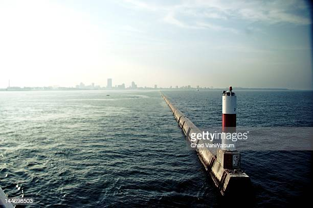 milwaukee harbor - milwaukee stock pictures, royalty-free photos & images