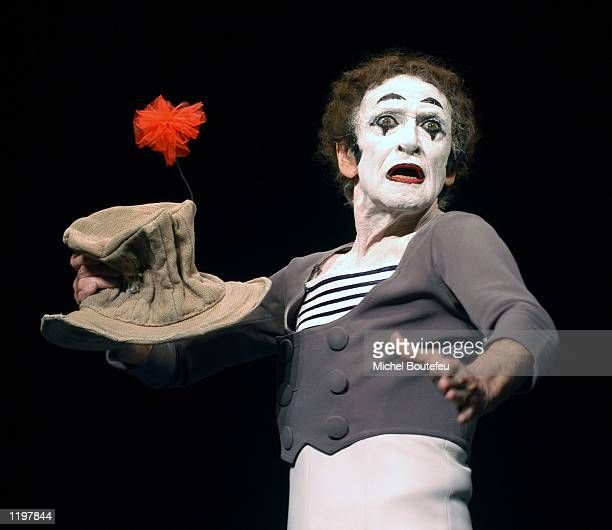 Mime Marcel Marceau performs at the Geffen Playhouse July 31, 2002 in Westwood, California