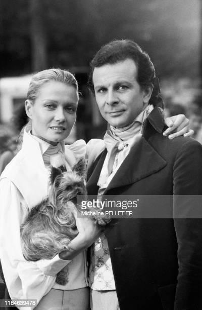 Mimi Coutelier et Roland Giraud sur le tournage du film 'Liberté Égalité Choucroute' réalisé par Jean Yanne en septembre 1984 France