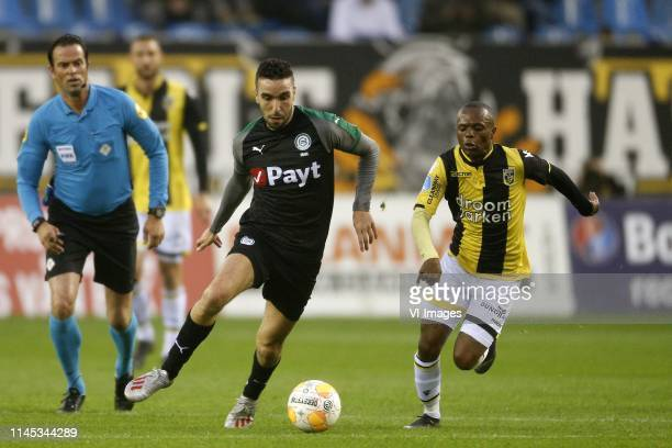 Mimoun Mahi of fC Groningen Thulani Serero of Vitesse during the Dutch Eredivisie play off match between Vitesse Arnhem and FC Groningen at Gelredome...