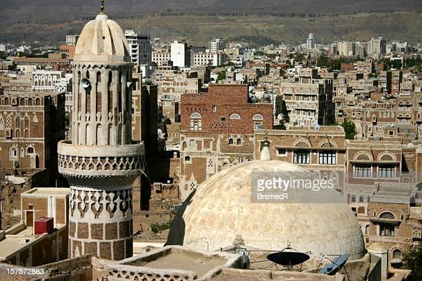 minarett in der altstadt von sana'a - sanaa stock-fotos und bilder