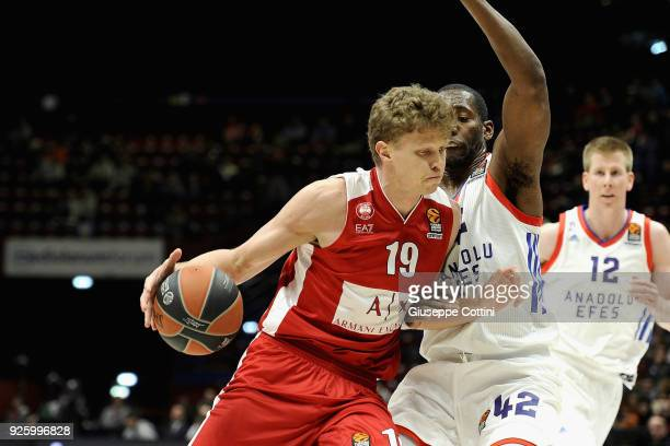 Mindaugas Kuzminskas #19 of AX Armani Exchange Olimpia Milan in action during the 2017/2018 Turkish Airlines EuroLeague Regular Season Round 24 game...