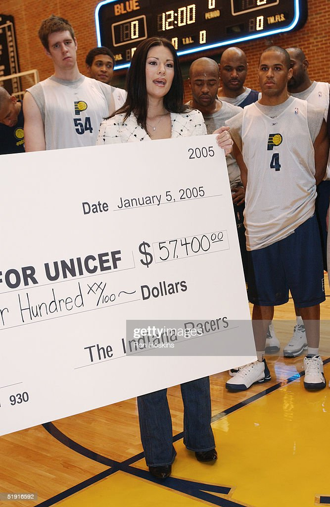 Indiana pacers donate money to unicef for tsunami relief mindy pollard who is a native of thailand and wife of indiana pacer scot pollard voltagebd Images