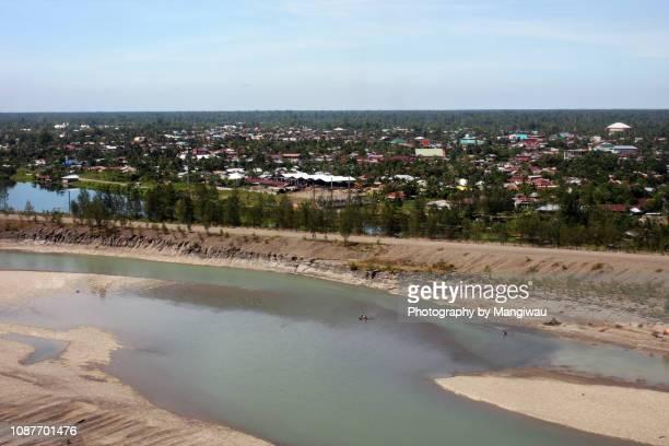 mine tailings - dique barragem imagens e fotografias de stock