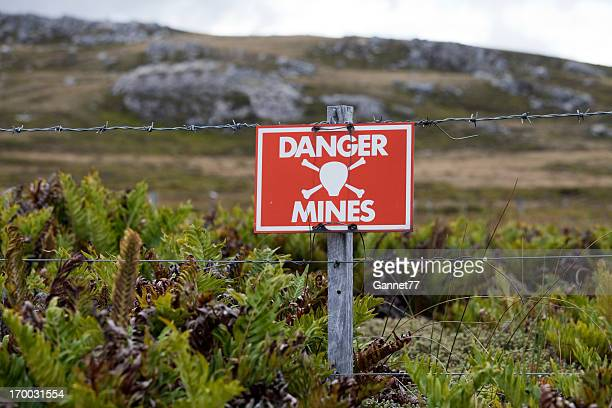 minefield sign, falkland islands - land mine stock pictures, royalty-free photos & images
