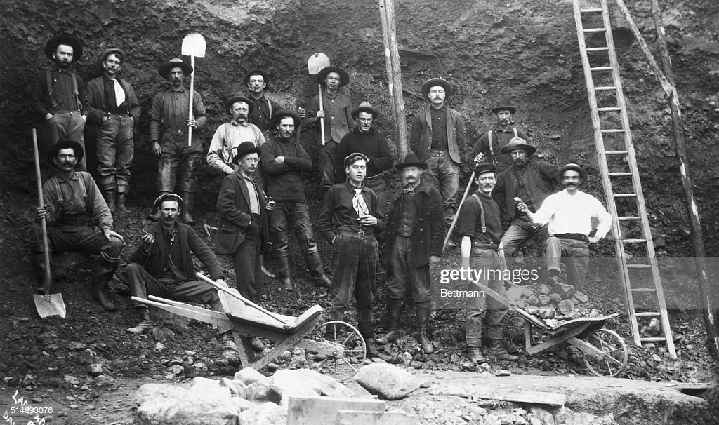 Group Of Pick And Shovel Miners : News Photo