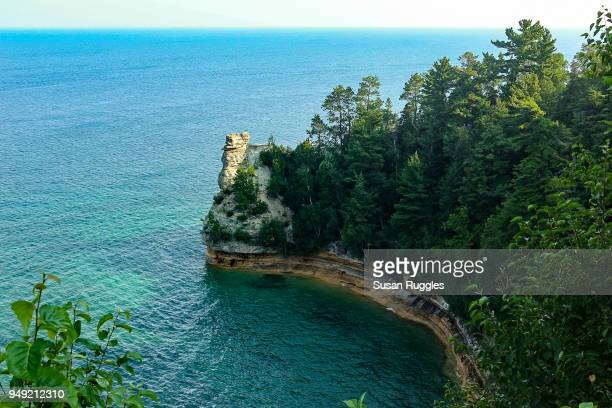 miners castle rock formation, pictured rocks national lakeshore, upper peninsula, michigan - munising michigan stock pictures, royalty-free photos & images