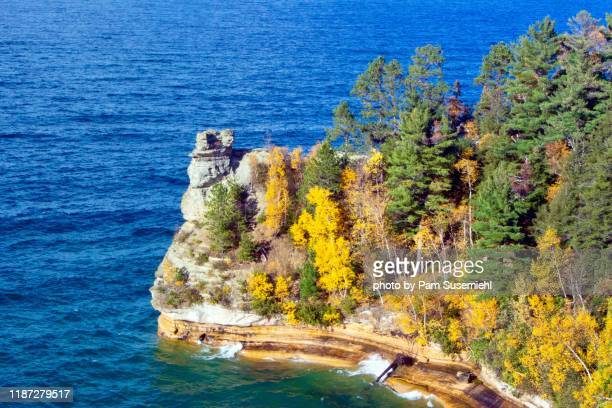miners castle with fall foliage, pictured rocks lakeshore, michigan - pictured rocks national lakeshore stock pictures, royalty-free photos & images