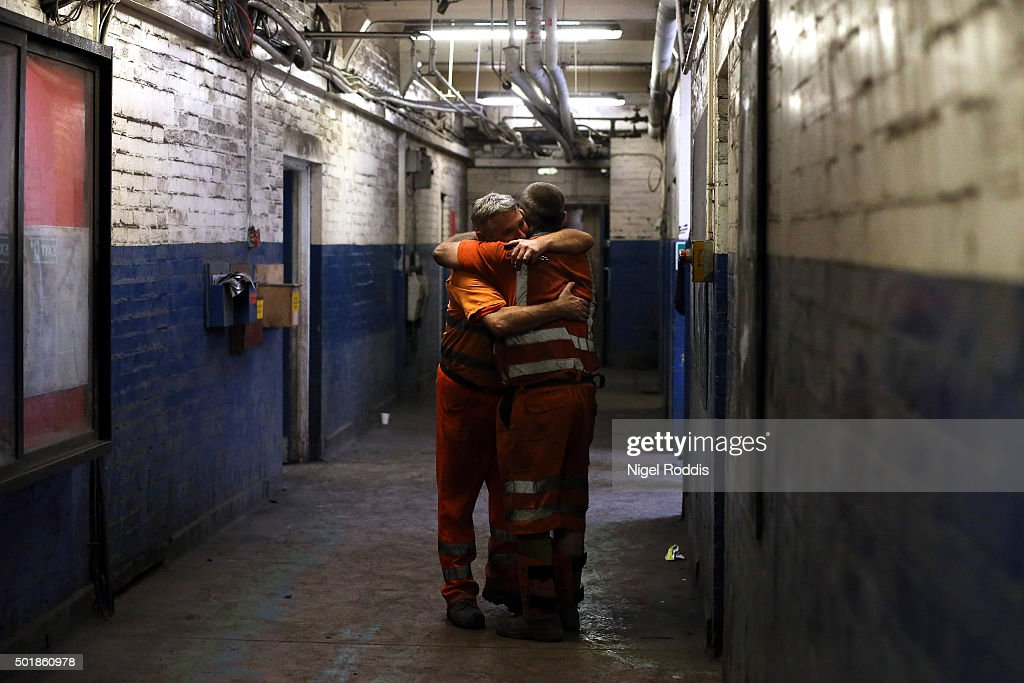 Final Shift At The Kellingley Colliery : News Photo