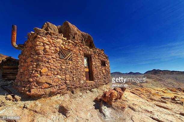 miners' hut at calico ghost town, california - barstow stock photos and pictures