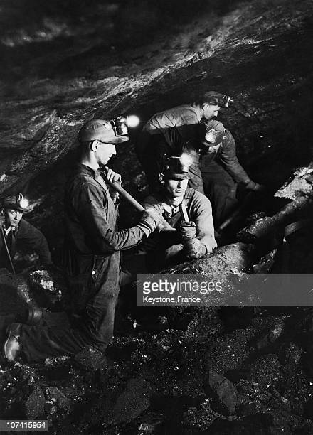 Miners Working Underground At England During Thirties