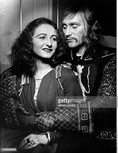 Minetti Bernhard * Actor Germany with Pamela Wedekind in the tragedy 'König Ottokars Glück und Ende' by Franz Grillparzer Staatstheater Berlin 1940...