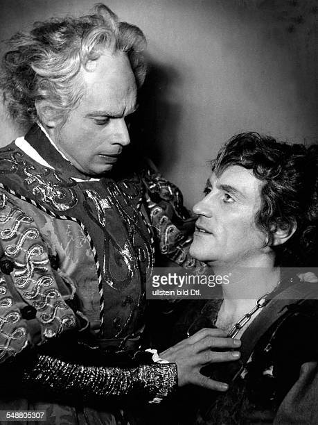 Minetti Bernhard Actor Germany * with Walter Franck in 'Life is a dream' by Pedro Calderon de la Barca at the Staatstheater Berlin 1943 Photographer...