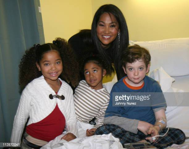 Ming Lee Simmons Aoki Lee Simmons Kimora Lee Simmons and Guest during Kimora Lee Simmons visit to St Vincent's Pediatric Unit on November 20 2007 in...