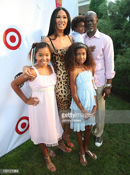 Ming Lee Simmons Kimora Lee Simmons Aoki Lee Simmons Kenzo Lee Hounsou and Djimon Hounsou attend the 12th annual Art for Life benefit at a Private...