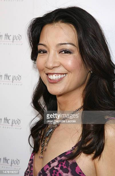 MingNa arrives at A Pea in the Pod Fashion Show and Book Party for the Hot Moms Club on April 2 2008 at Pea in the Pod in Beverly Hills California