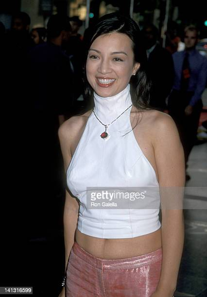 MingNa at the Premiere of 'Rush Hour 2' Mann's Chinese Theatre Hollywood