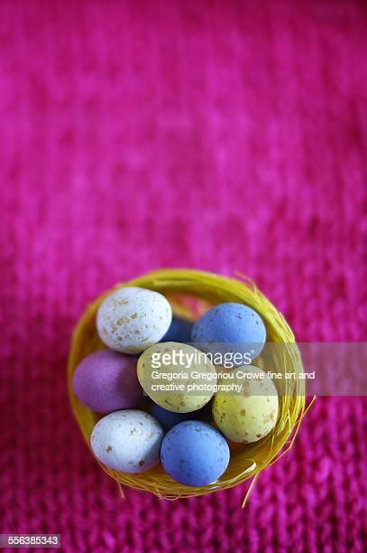 mini chocolate eggs - stadio olimpico nazionale foto e immagini stock