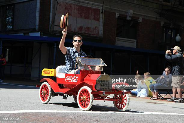 mini coke vehicle - norfolk virginia stock pictures, royalty-free photos & images