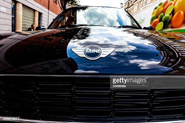 mini cooper car in london - mini cooper stock pictures, royalty-free photos & images