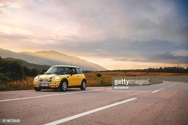 mini cooper roadtrip - mini cooper stock pictures, royalty-free photos & images