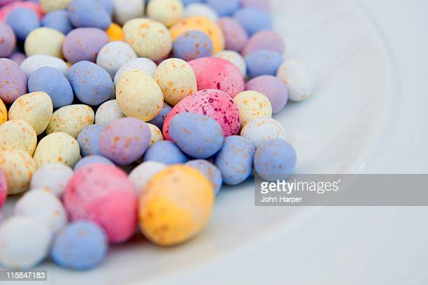 mini easter eggs in plate - easter egg stock pictures, royalty-free photos & images