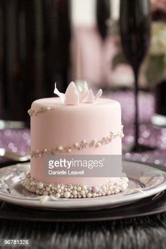 mini wedding cakes seattle mini individual wedding cake stock photo getty images 17429